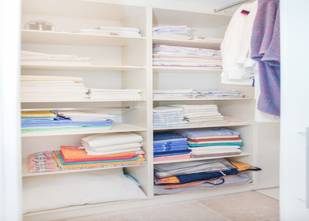 Easy Wardrobe Organizing