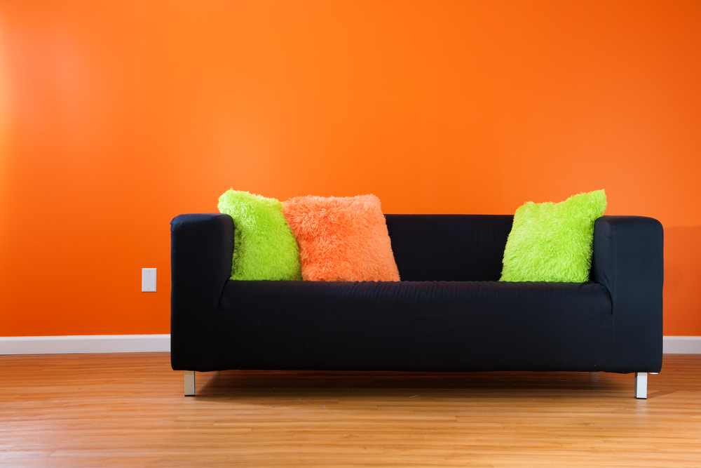 Improve The Decor Of The Living Room With The Following 3 Items