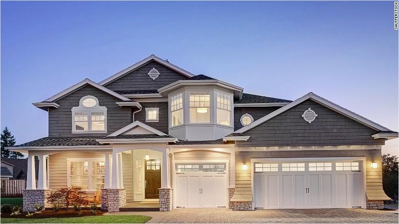 82f90_150805130244-luxury-home-exterior-780x439
