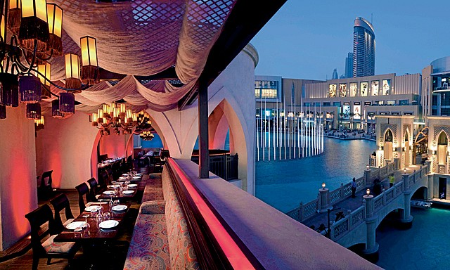 floating restaurant in Dubai