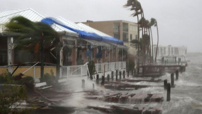 big-bad-beast-storm-batters-florida