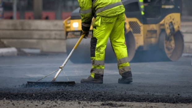 Hiring A Contractor To Repair A Road