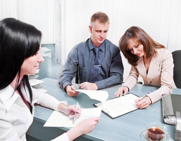 What Does A Mortgage Originator Do?