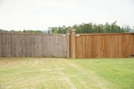 3 Critical Reasons To Hire A Professional For Your Fencing Needs