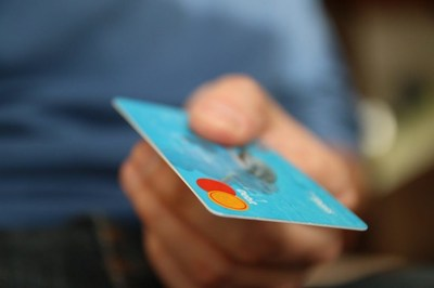 Accepting Credit Cards : 6 Advantages For Your Business