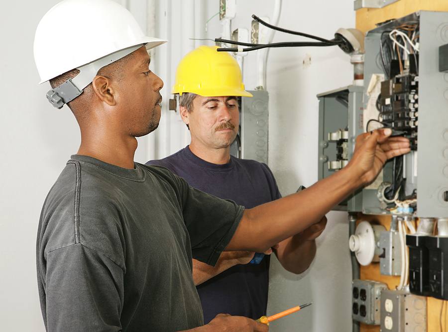 Self-Employed Electricians Need Insurance Today