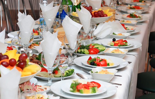 5 Tips For Choosing The Right Caterer