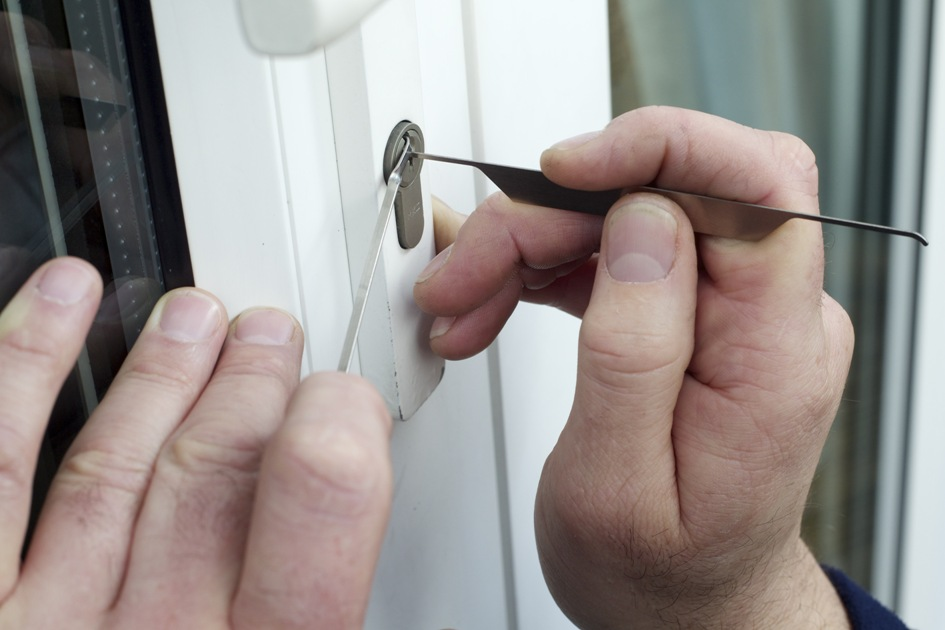 5 Most Essential Questions You Should Ask A Locksmith Before Hiring