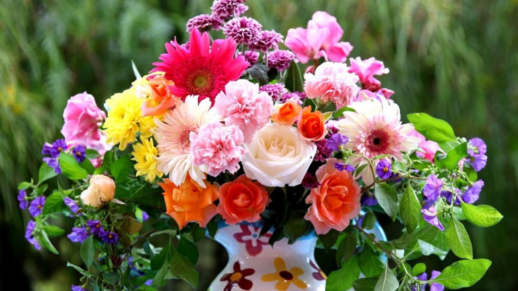mix-flowers-bouquet