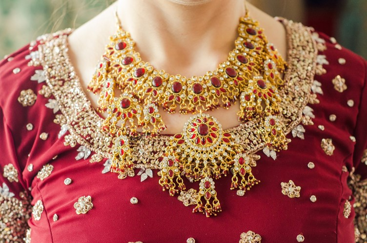 Essential Traditional Jewellery Every Indian Bride Should Have