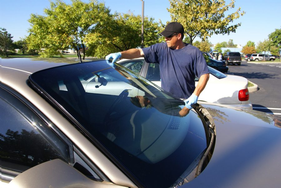 Windshield Replacement – Signs That Your Car Needs A New One