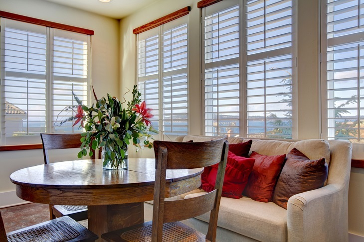 Wood Venetian Blinds Vs Traditional Venetian Blinds
