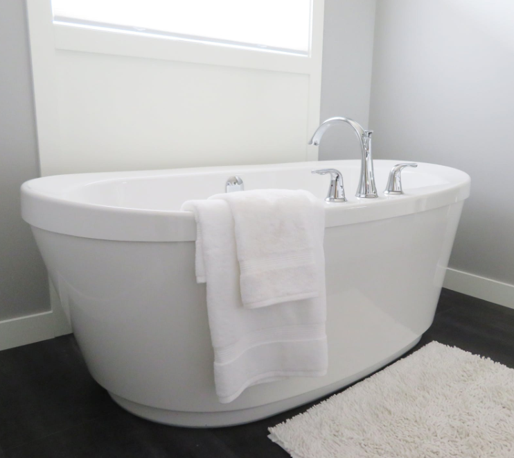Choosing Between A Bathtub and A Shower For Your Bathroom Renovation