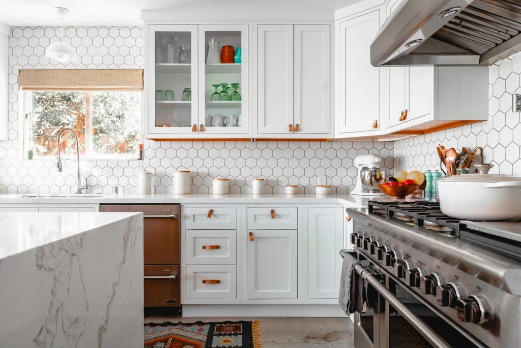 Ways to Renovate An Old Home to Feel Modern